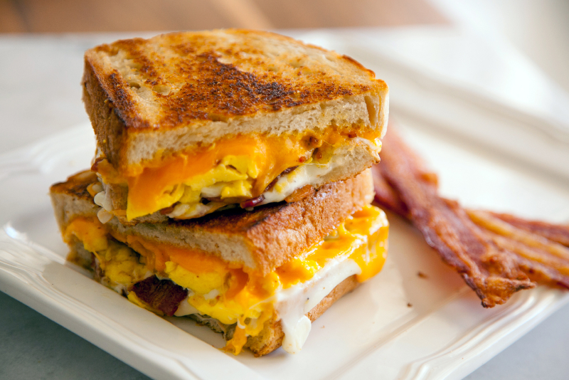 Bacon-Egg-and-Cheese-Sandwich