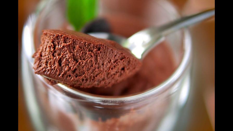Mousse-Au-Chocolat-same-as-Chocolate-pudding